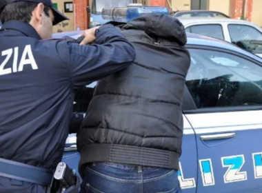 Civitavecchia, minaccia di morte la madre e i poliziotti
