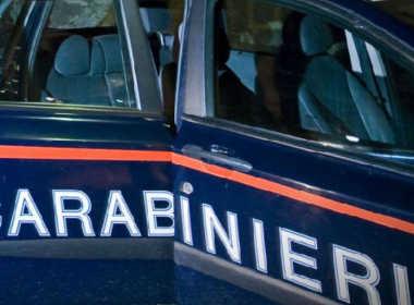 Milano, 33enne aggredisce l'ex con le forbici