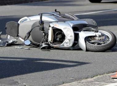 Montella, moto si schiana contro un furgone