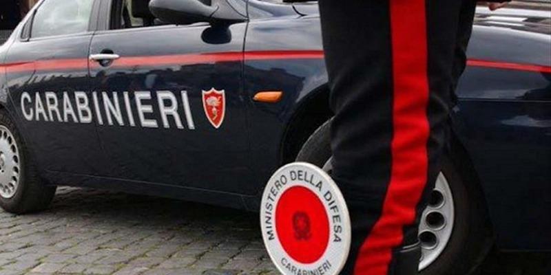 Milano, spara al figlio della compagna