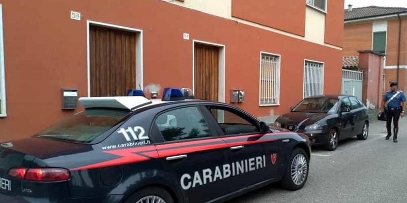 Milano, perseguita e aggredisce l'ex marito
