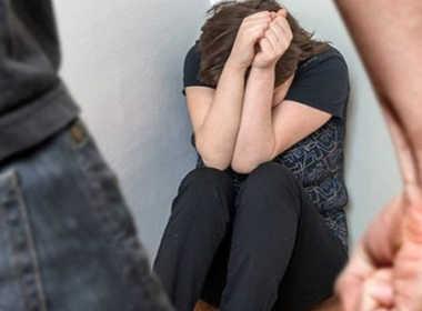 Padova, picchia e tenta di violentare l'ex