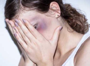 Portici, 46enne picchia la moglie per anni