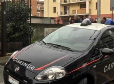 Brescia, 64enne accoltellato da un ladro