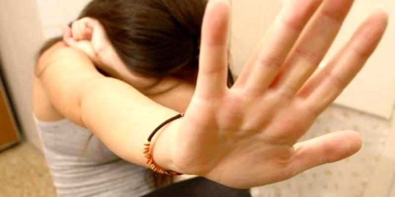Padova, minaccia, offende e picchia l'ex fidanzata