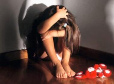 Tivoli, violentava la figlia della compagna