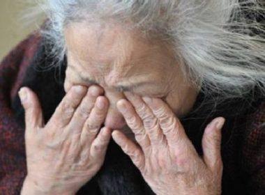 Cesana Torinese, picchia l'anziana madre
