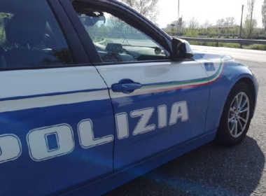 Roma, picchia la moglie e minaccia i figli