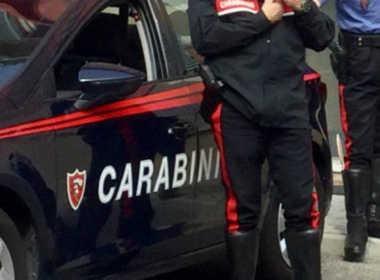 Brescia, picchia moglie e minaccia carabinieri