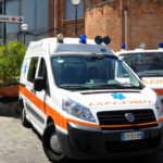 Milano, bimba di 5 anni precipita dal balcone