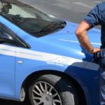 Roma, minaccia di buttare la moglie dalla finestra