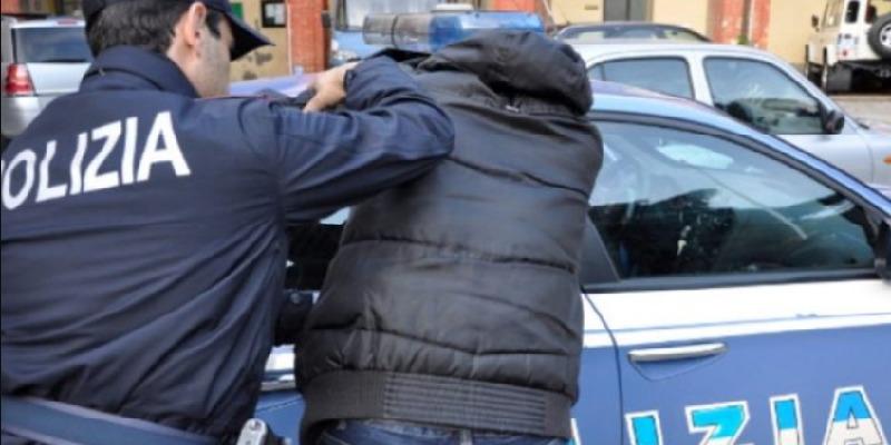 Rimini, maltratta compagna e figli