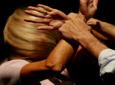 Savona, picchiata ancora dall'ex marito