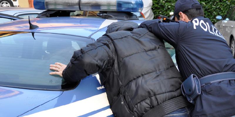 Catania, picchia la moglie per 13 anni