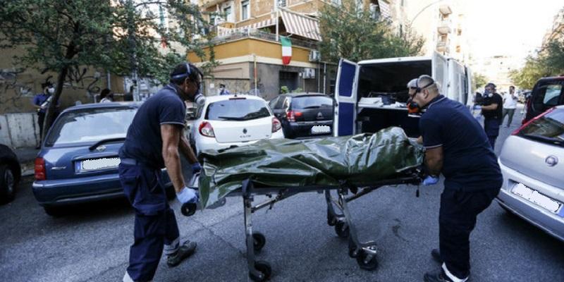 Torpignattara, 58enne spara alla madre poi si toglie la vita