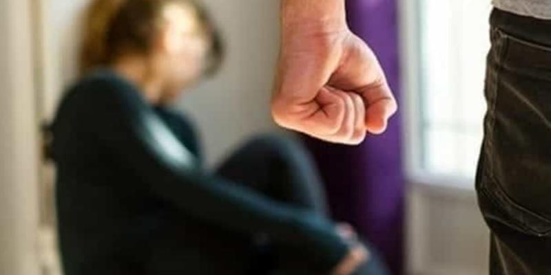 Barriera di Milano, aggredisce e minaccia la fidanzata