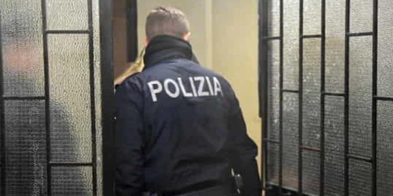 Milano, picchia moglie davanti alla figlia