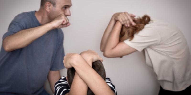 Centocelle, minaccia moglie davanti ai figli