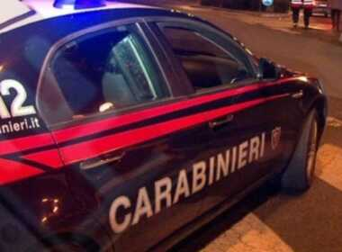 Milano, picchia l'ex moglie per strada