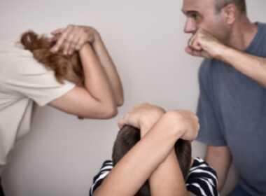 Pontecorvo, picchia la moglie davanti al figlio