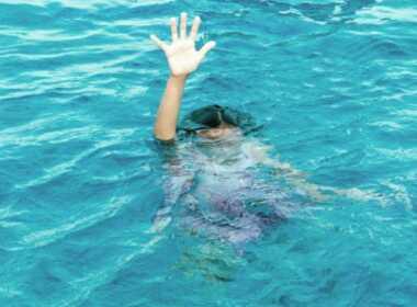 Porto Empedocle, bimbo rischia di annegare