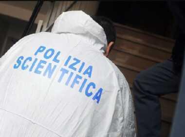 Rimini, uccide la moglie a martellate