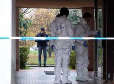 Milano, donna trovata morta nel cortile