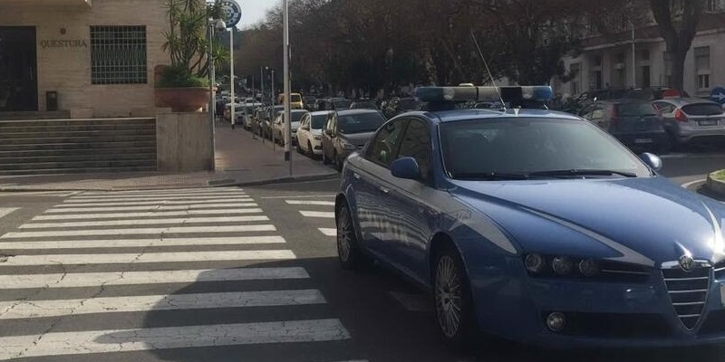 Cagliari, picchia moglie e minaccia figlio