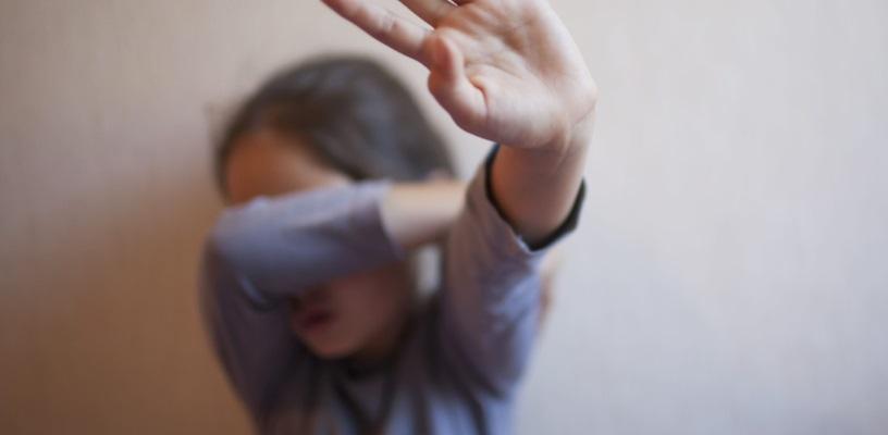 Frosinone, violenta bimba di 11 anni
