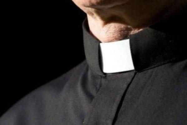 violenza sessuale enna arrestato sacerdote