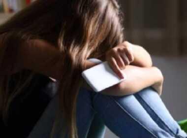 13enne si è suicidata per bullismo