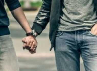 Coppia gay aggredita