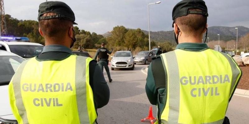 Ibiza 35enne spara ad un 28enne poi scappa