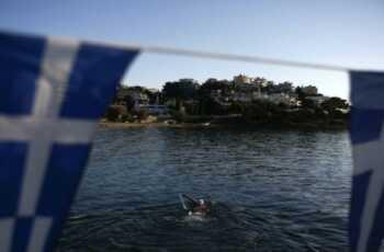 Nonno salva i nipoti ma muore annegato
